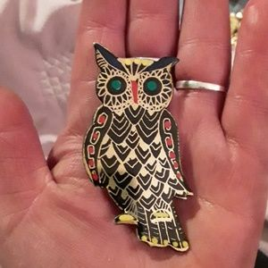 Lovely vintage owl brooch